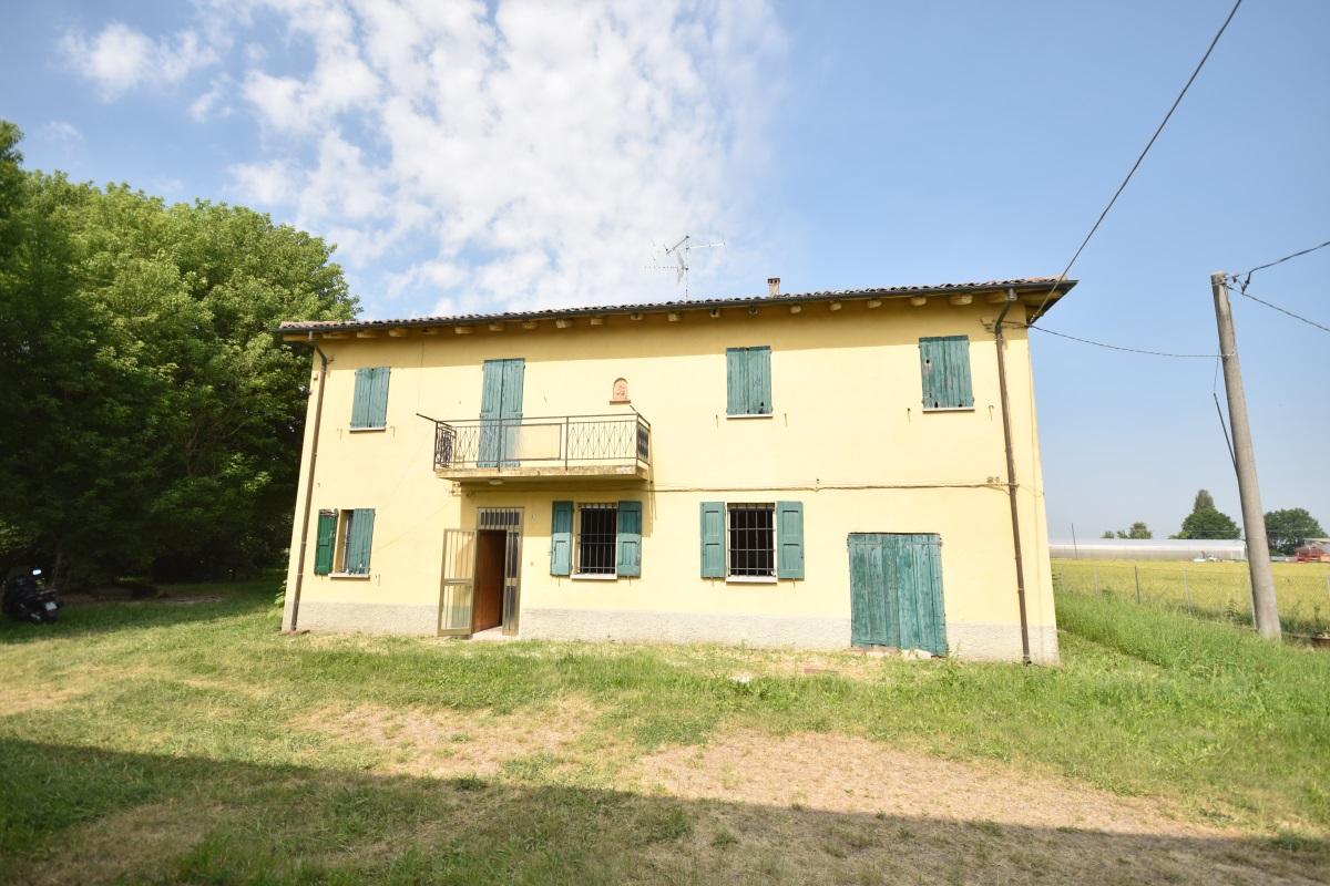 Casa Colonica + Terra Longara